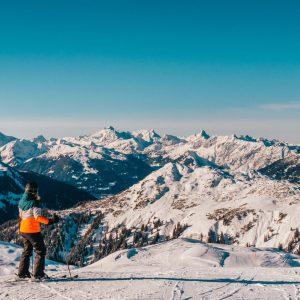 vorarlberg sonnenkopf arlberg klostertal piste skiing mountain woman