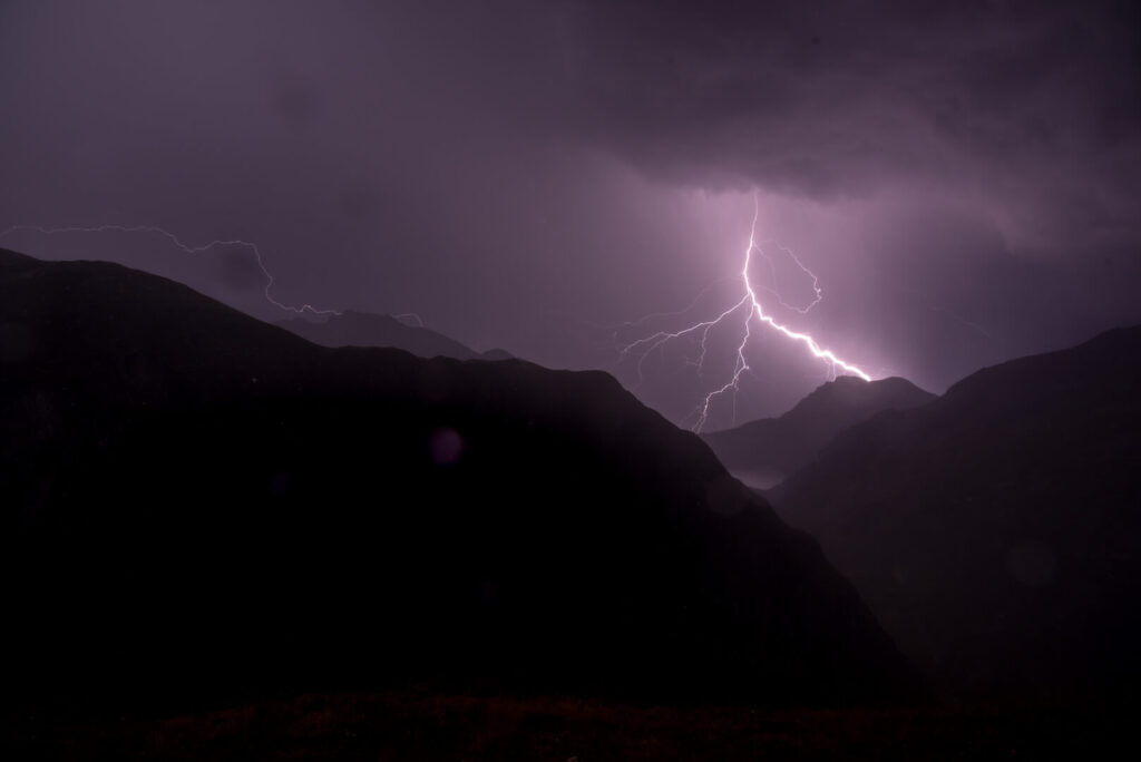 lech zuers vorarlberg mountain night dark lightning