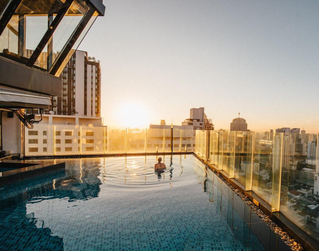 thailand bangkok the-continental morning hotel pool sunrise