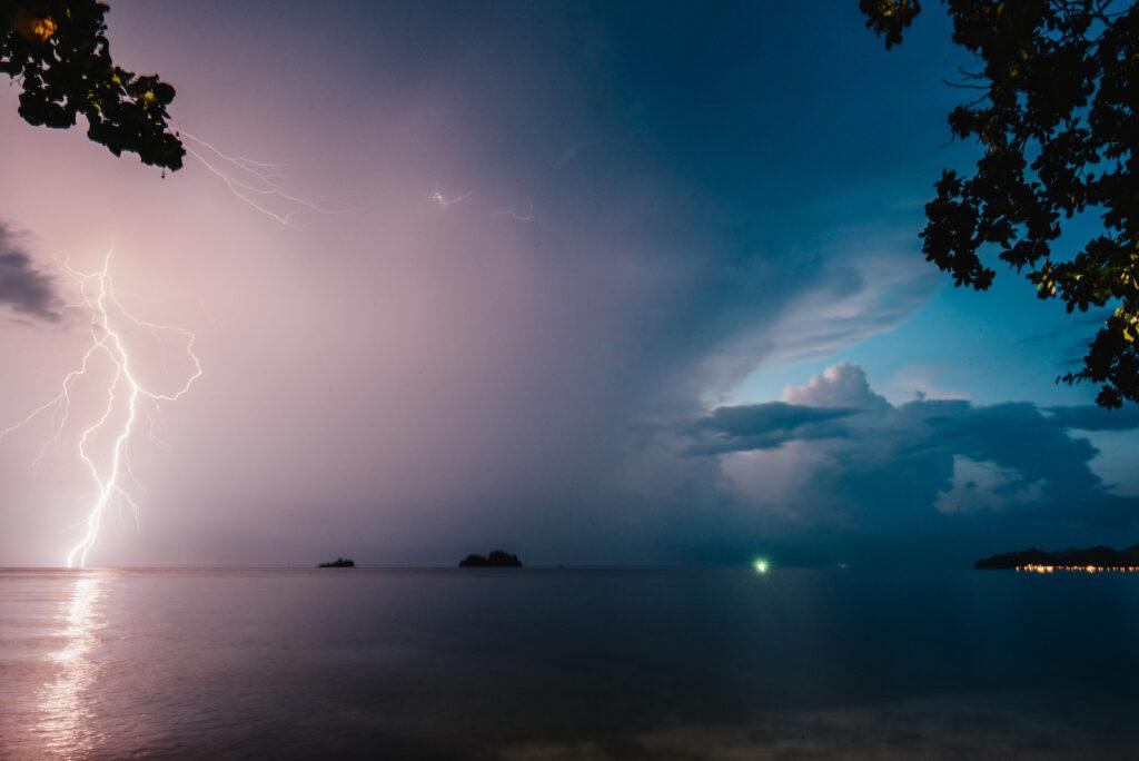 thailand koh-chang roller-tour strand palme nacht blitz