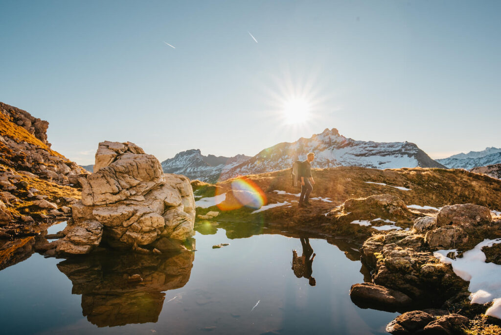 heidiland schweiz herbst mann schnee berge wandern sonnenaufgang wasser