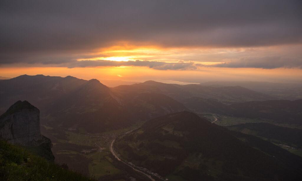 vorarlberg bregenzerwald sonnenuntergang wandern berg kanisfluh wolken