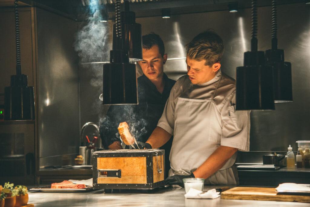 vorarlberg lech zürs lechweg erste-etappe rote-wand chefs-table hotel koch