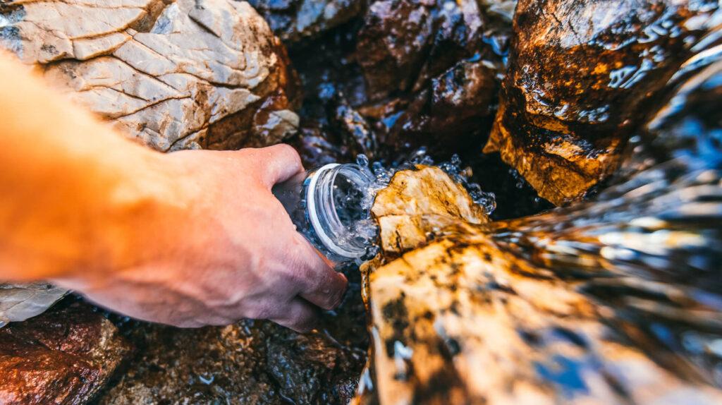heidiland schweiz herbst wasser trinken schnee berge wandern