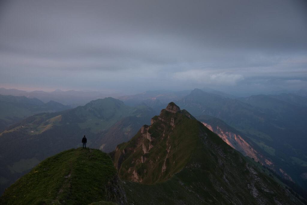 vorarlberg bregenzerwald sonnenuntergang wandern berg kanisfluh mann