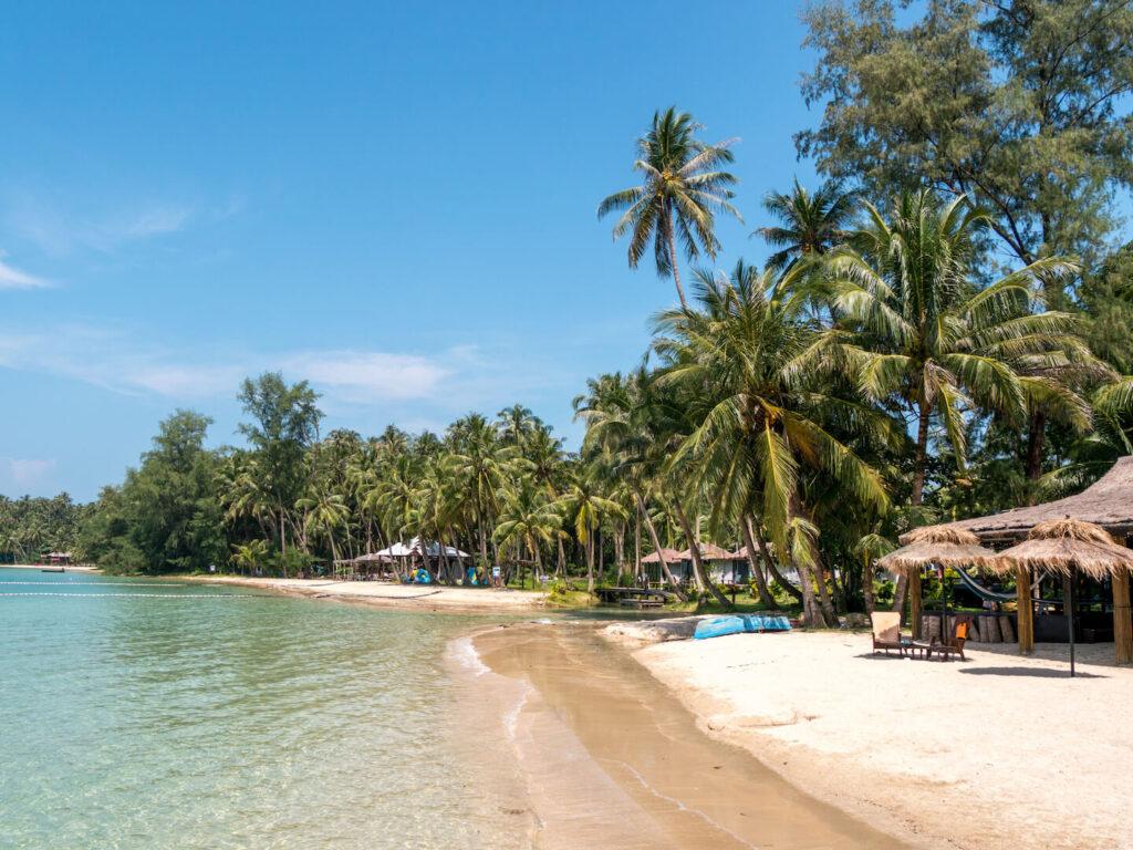 thailand koh-mak palm-tree beach sand sea hut