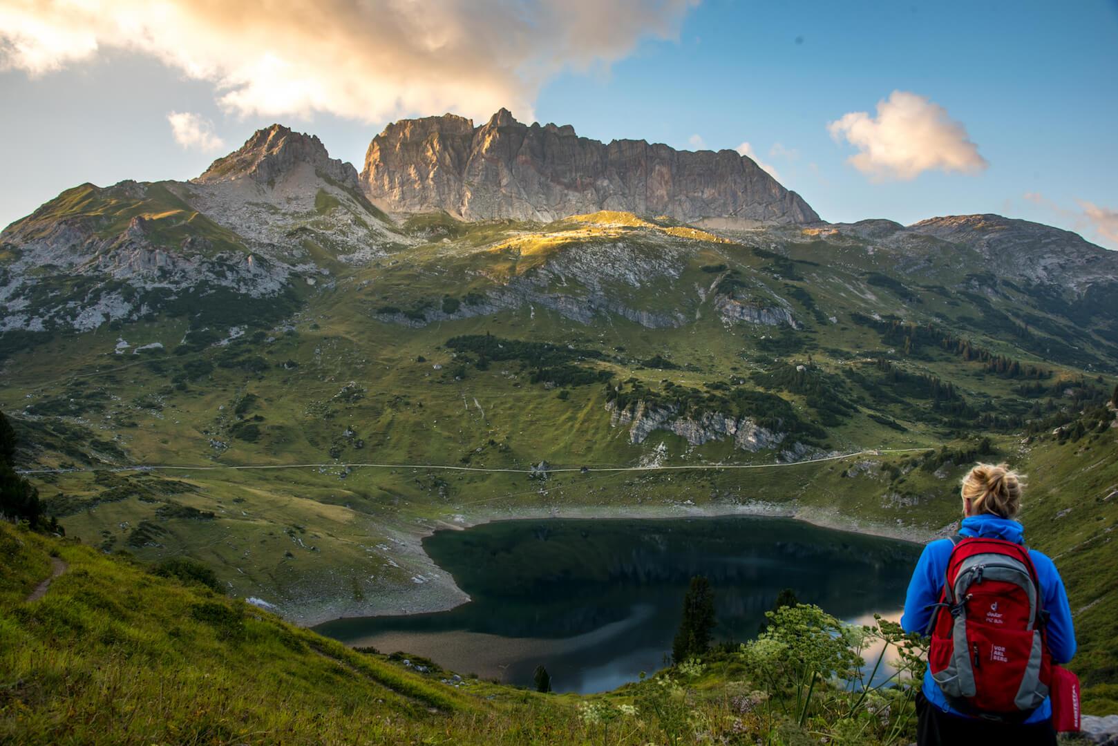 vorarlberg formarinsee klostertal freiburger hütte mountain hiking women