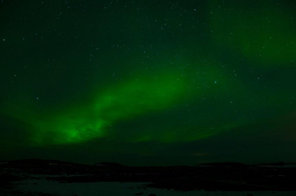 dunkel island nordlichter grün nacht