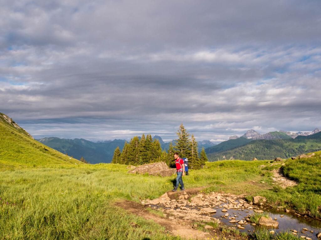vorarlberg bregenzerwald kanisfluh wandern berg mann