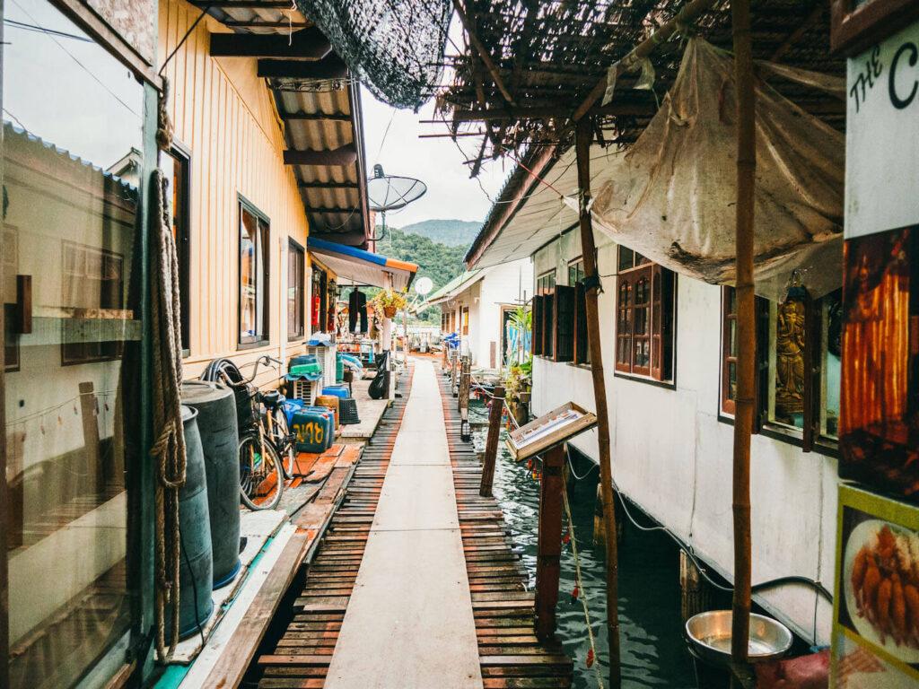 thailand koh-chang island village houses floating-village