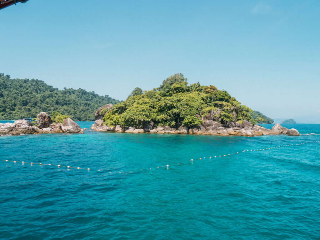 thailand koh-chang sea island diving snorkelling water