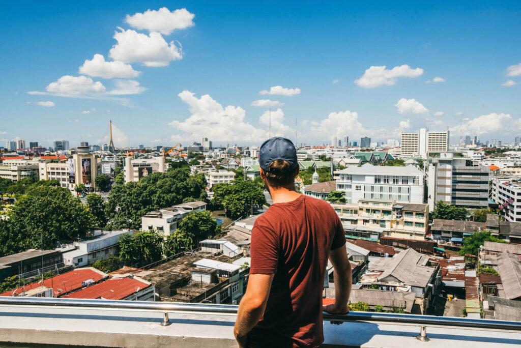 thailand bangkok tempel himmel wolken gold mann stadt