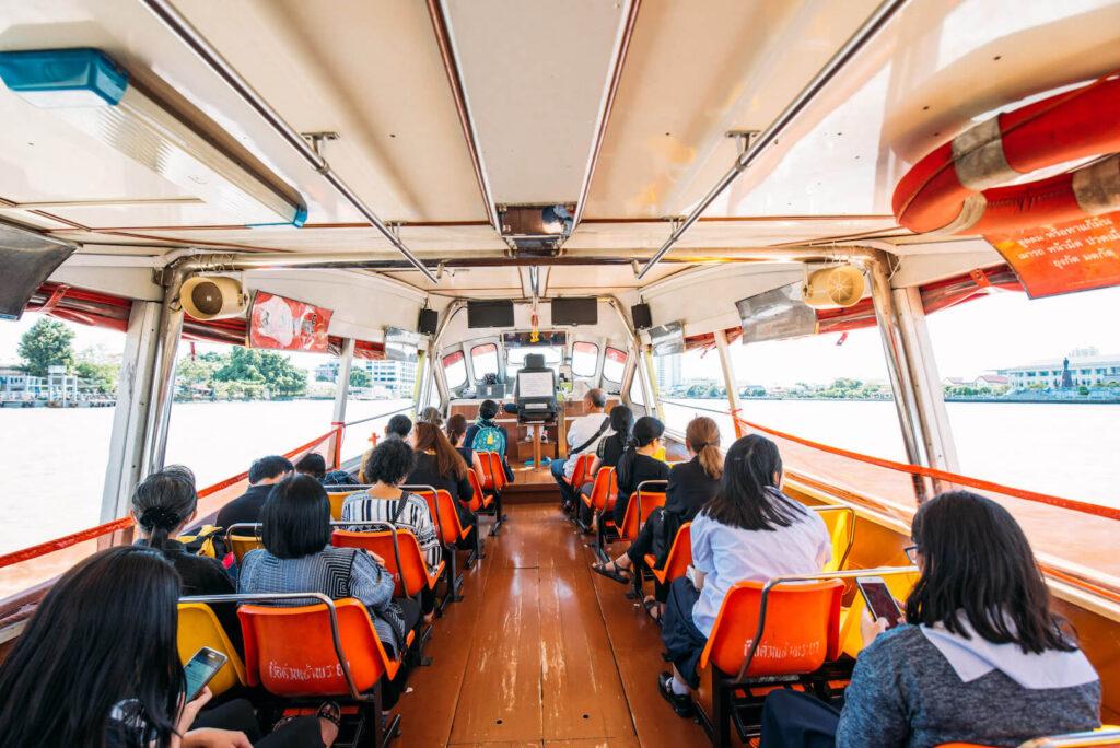 thailand bangkok fluss boot menschen