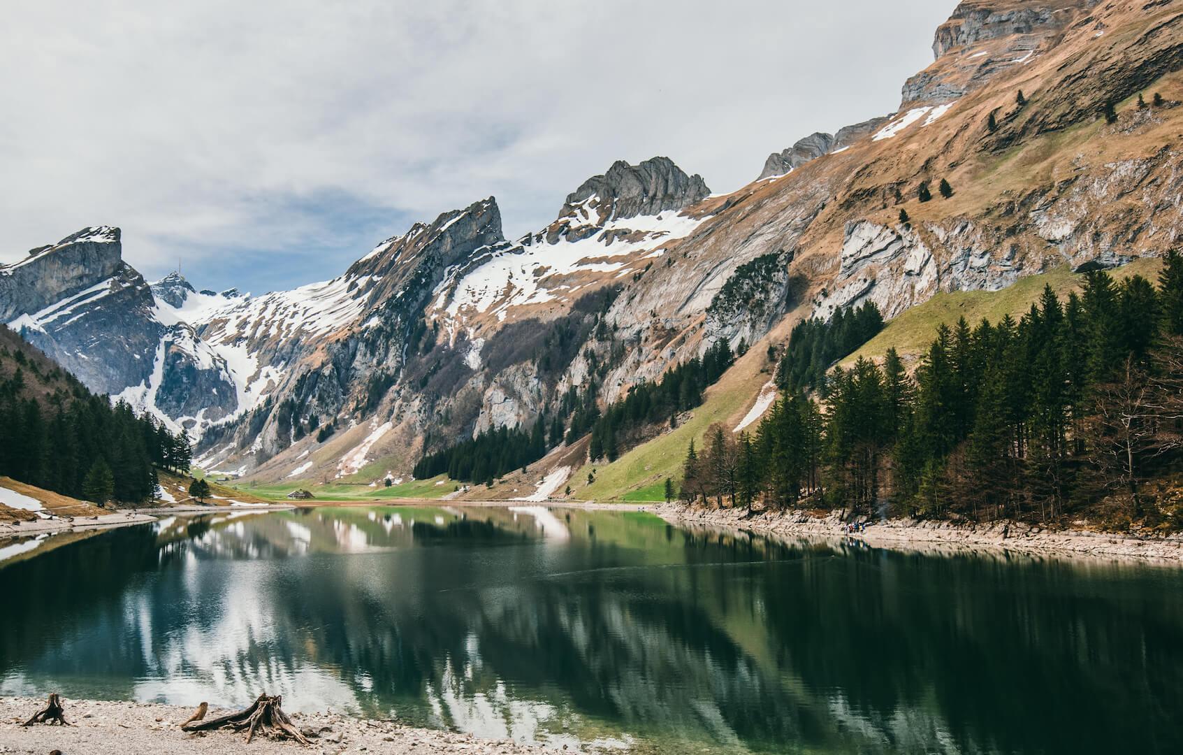 schweiz appenzeller-land seealpsee wandern see berge schnee