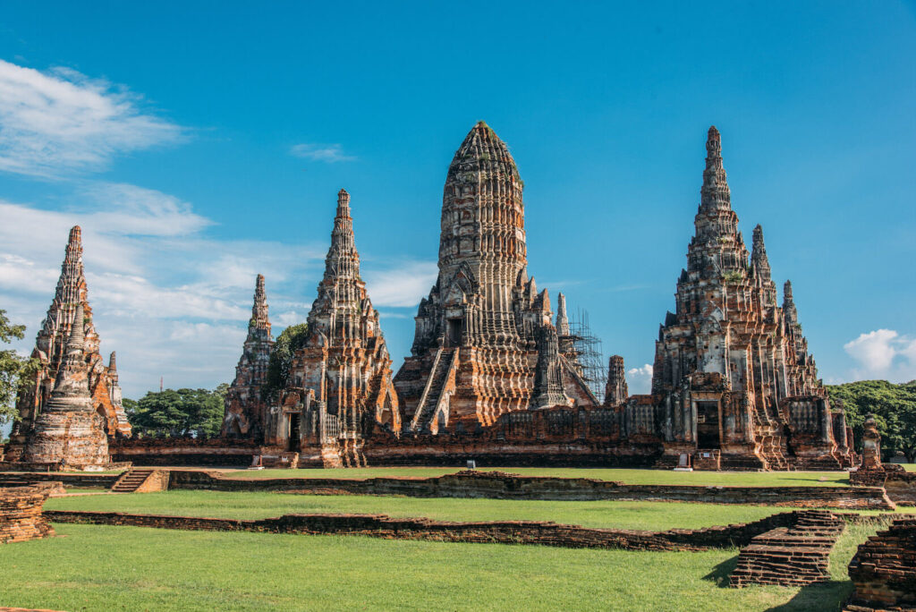 thailand ayutthaya bangkok day-trip temple sky clouds