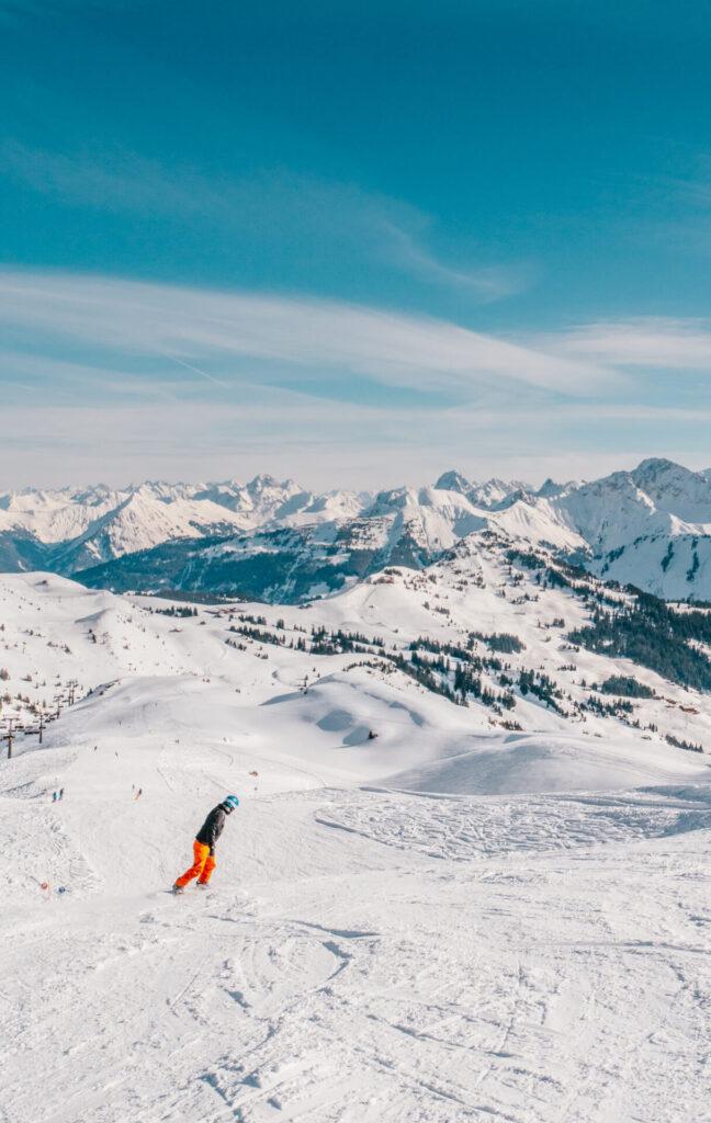 vorarlberg damüls-mellau damüls mellau skigebiet winter ski-fahren snowboard mann