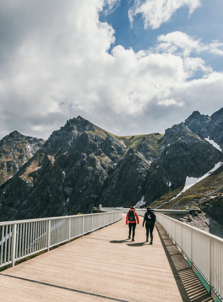 vorarlberg lünersee rätikon hiking lake mountains woman brandnertal