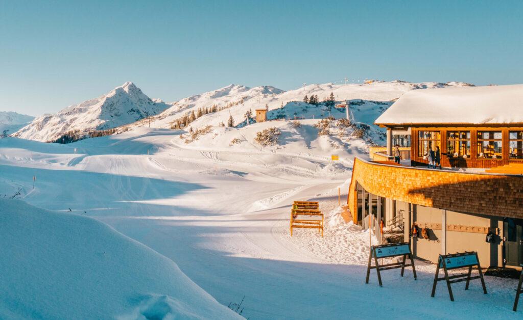 vorarlberg sonnenkopf arlberg klostertal piste skiing mountain restaurant