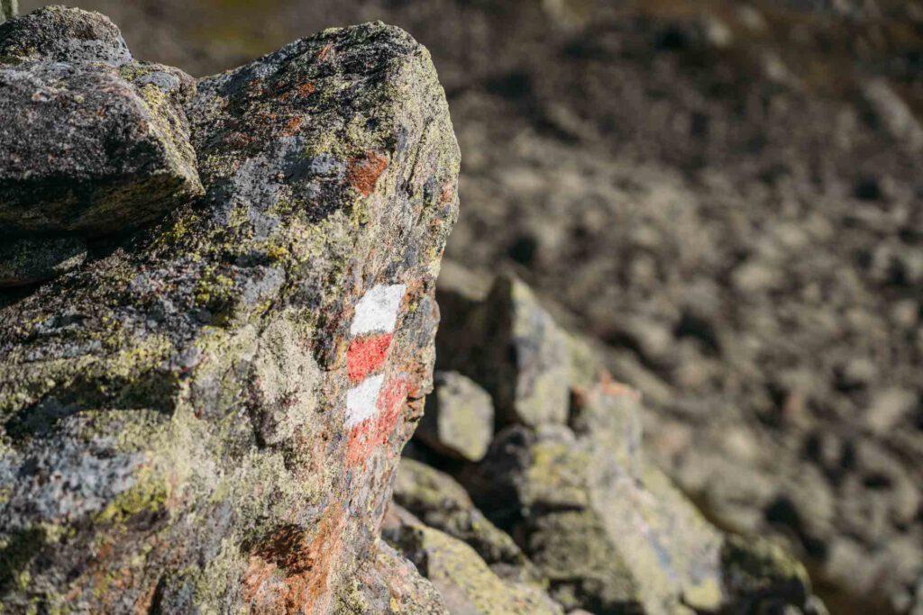 vorarlberg montafon berge aplguesalpe grasjochhütte rundwanderung wanderzeichen