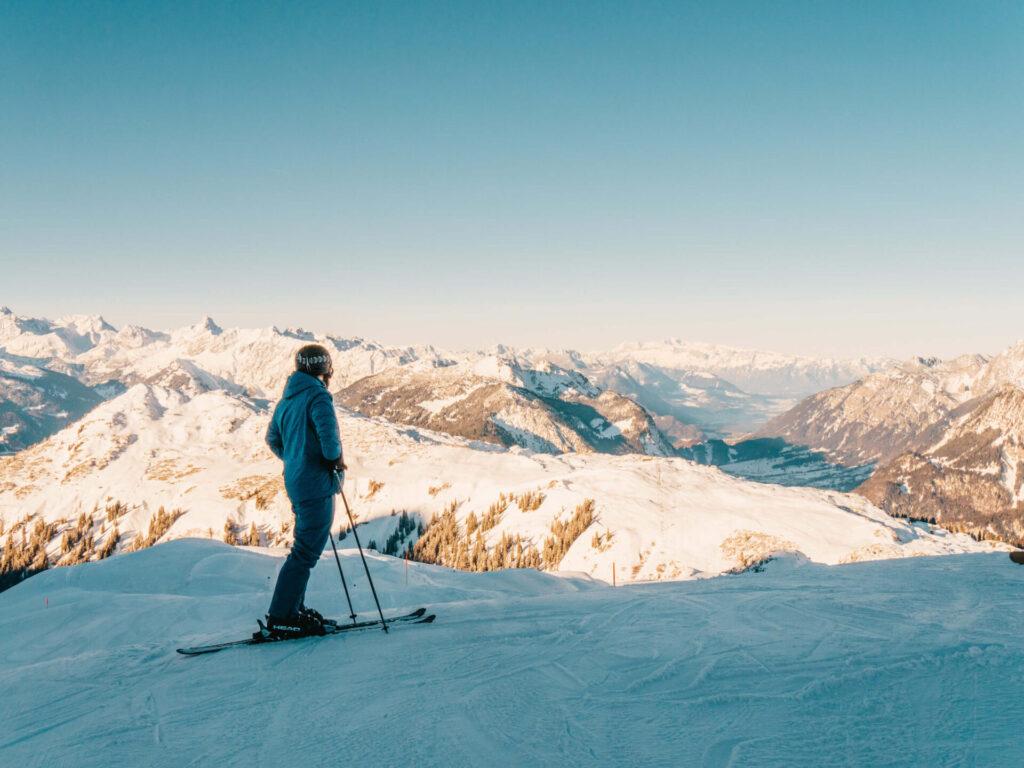 vorarlberg sonnenkopf arlberg klostertal ski-fahren winter piste berge mann