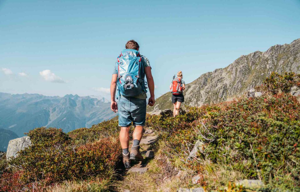 vorarlberg montafon berge aplguesalpe grasjochhütte rundwanderung mann frau