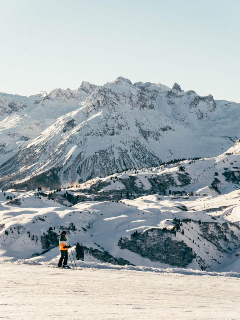 vorarlberg warth-schröcken warth schröcken ski-arlberg skiing snow winter woman