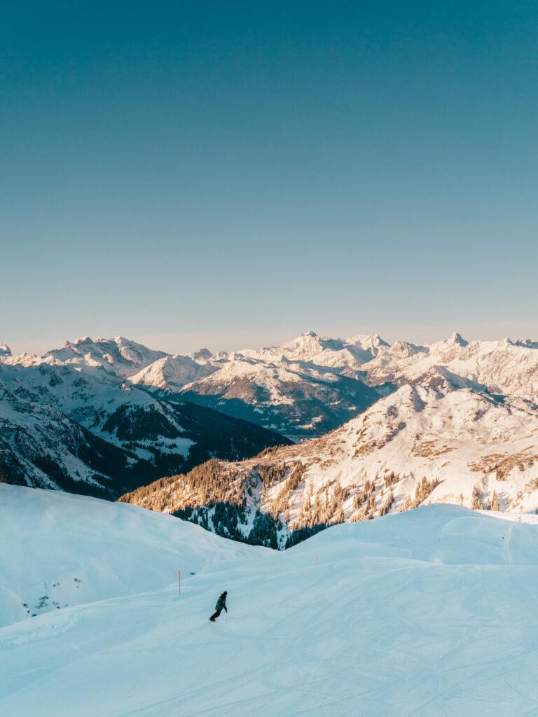vorarlberg sonnenkopf arlberg klostertal piste skiing mountain man snowboard