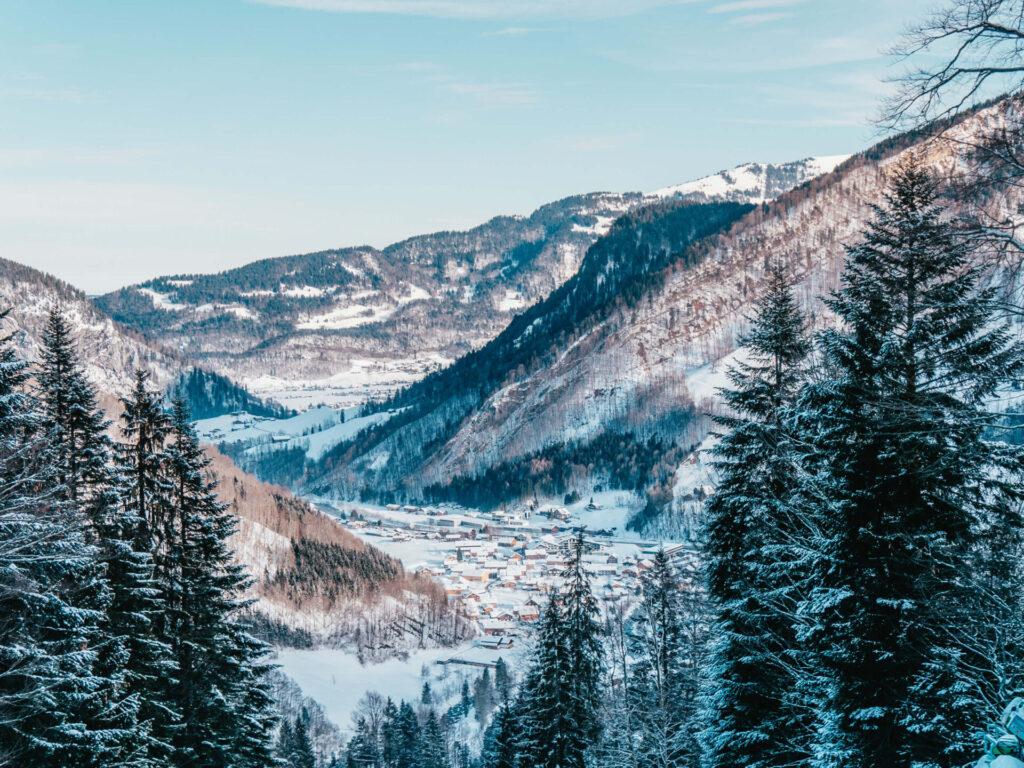 vorarlberg damüls-mellau damüls mellau skigebiet winter talabfahrt ski-fahren dorf