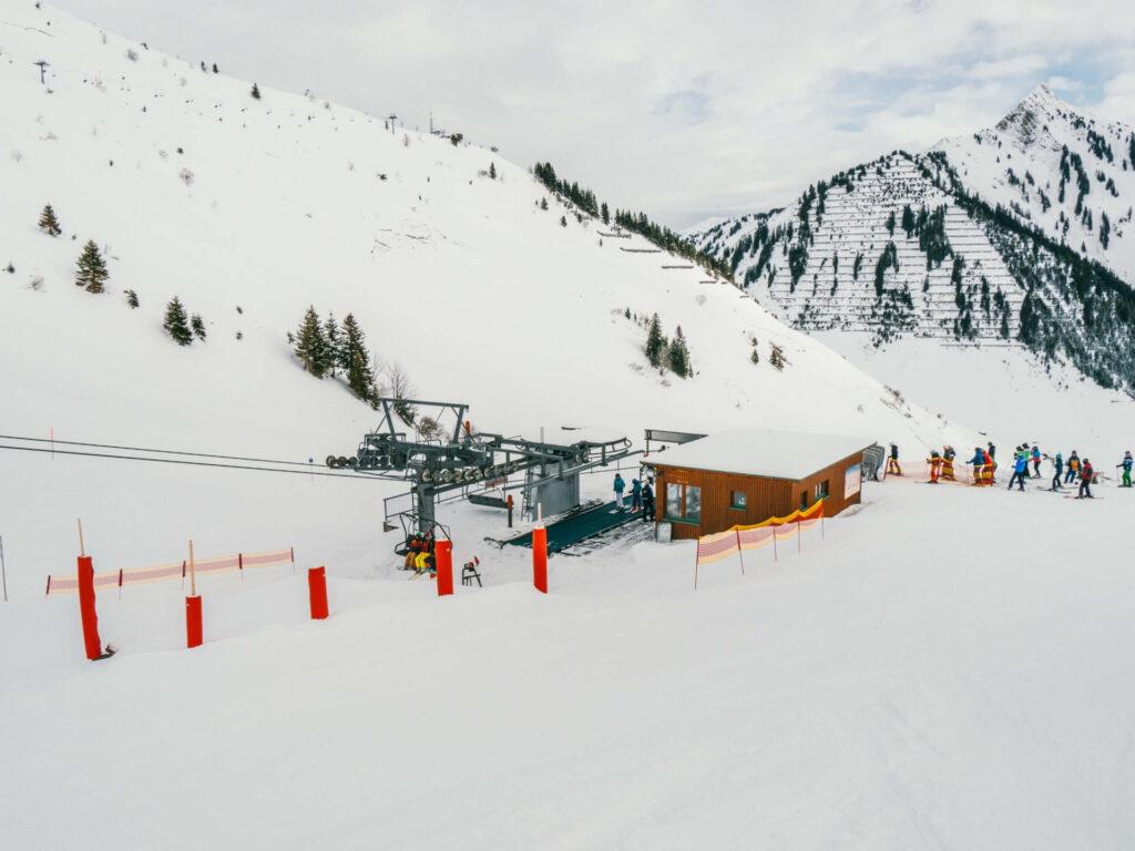 vorarlberg großes-walsertal faschina skigebiet ski-fahren winter schnee berge lift