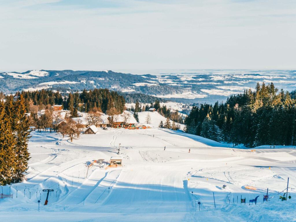 vorarlberg bödele schwarzenberg bregenzerwald skigebiet berg winter hütte
