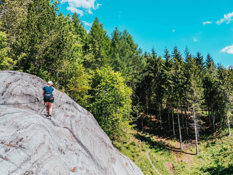 vorarlberg montafon latschau klettersteigkurs klettersteig golm klettern felsen bäume