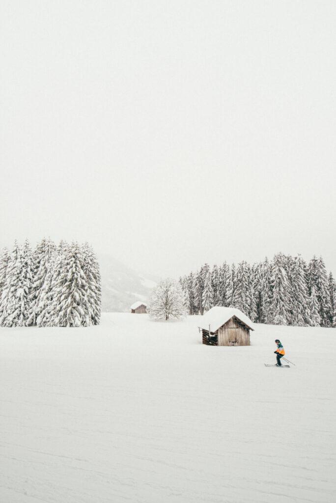vorarlberg laterns laternsertal ski-fahren schnee skigebiet baum hütte ski snowboard