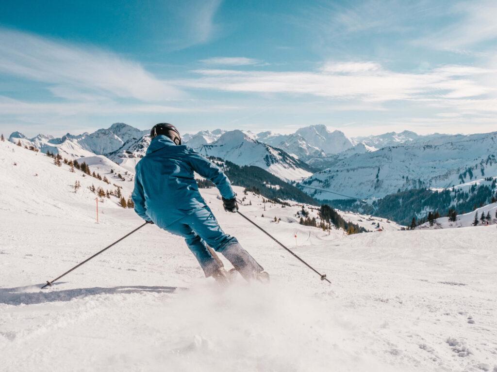 vorarlberg damüls-mellau damüls mellau skiing winter snow slopes man