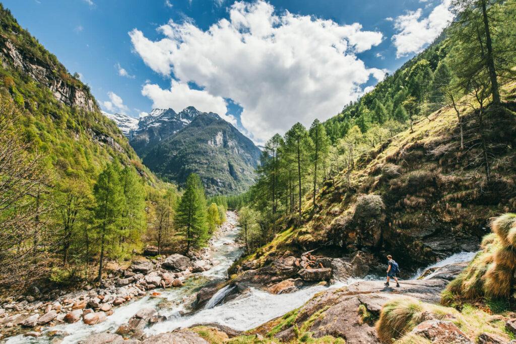 switzerland ticino verzasca-valley sonogno cascata-la-froda hiking waterfall valley