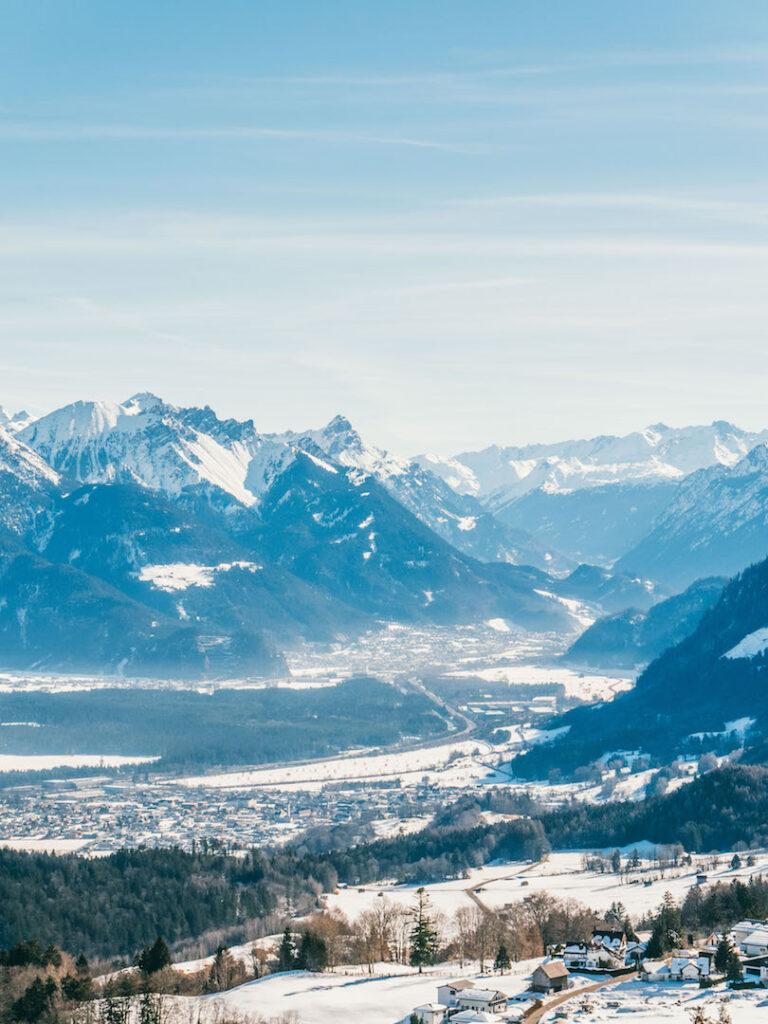 vorarlberg rheintal frastanz ski-fahren winter schnee berge piste wald tal