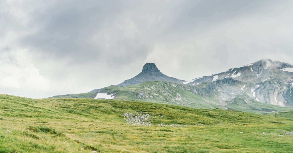 heidiland flumserberg spitzmeilenhütte wandern berge wolken schnee