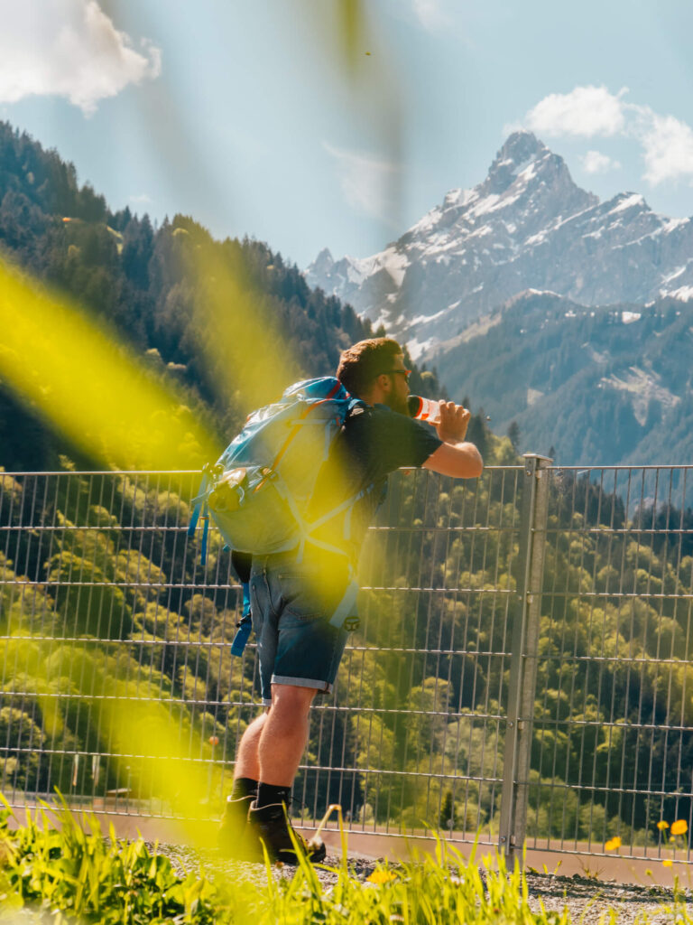 vorarlberg montafon latschau klettersteigkurs klettersteig golm klettern mann berge