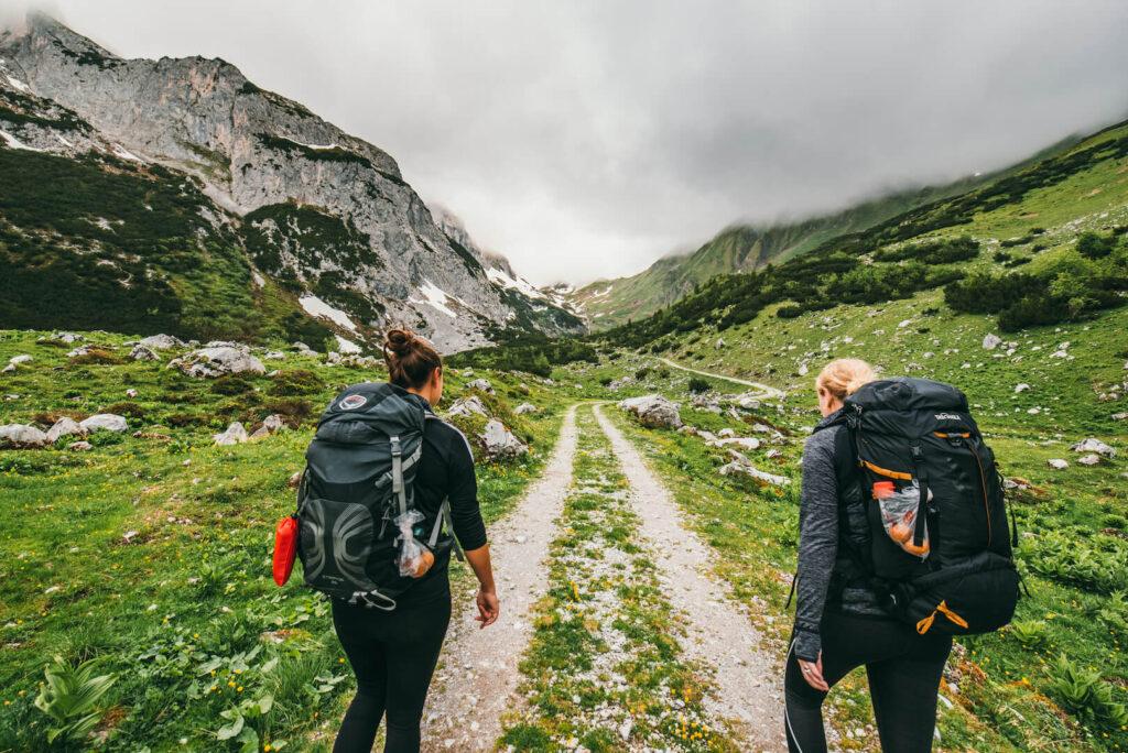 vorarlberg schweizer-tor hiking alpe montafon snow lindauer-hütte mountains woman