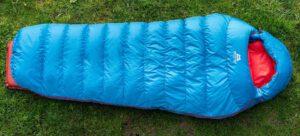 mountain-equipment classic-750 frau schlaftsacktest gear-review test gesamtansicht blau