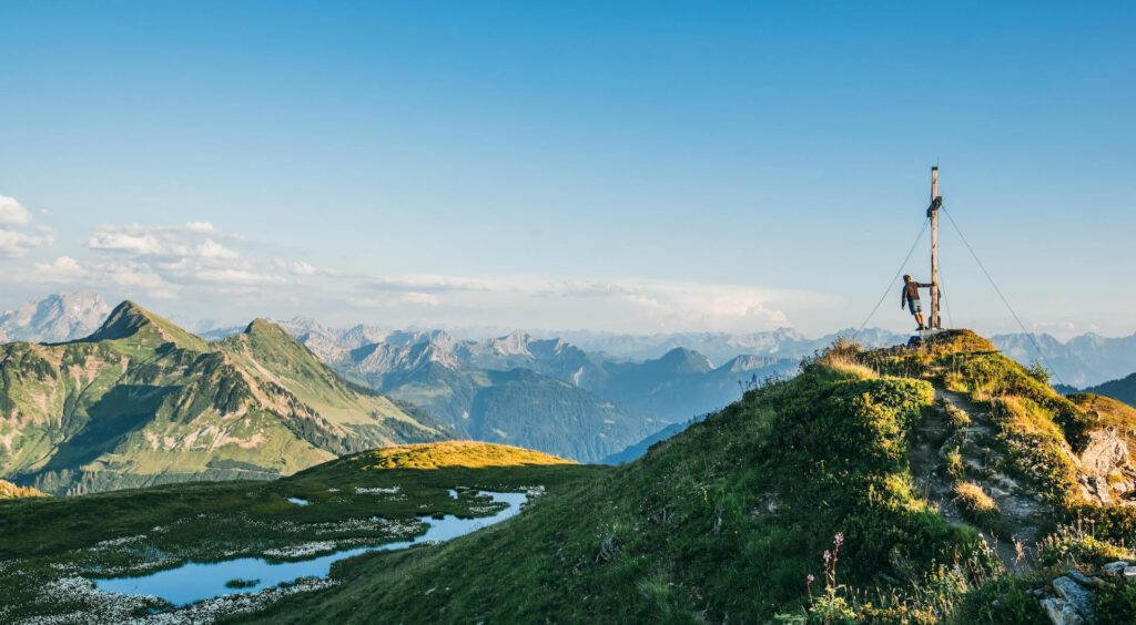 vorarlberg bregenzerwald portlerhorn packyourthingsandtravel peak cross