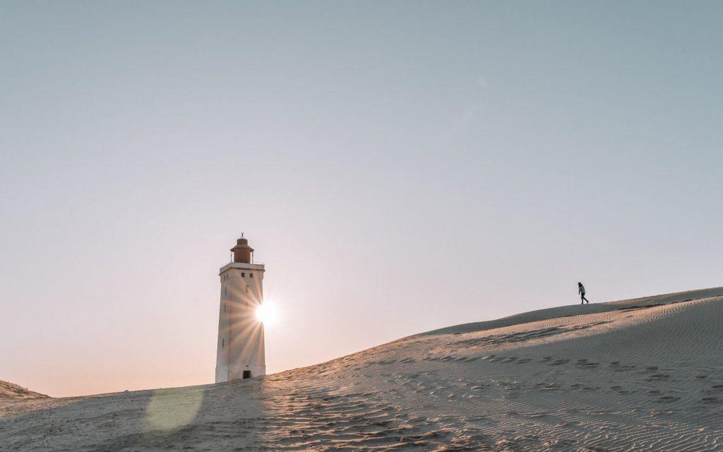 dänemark rubjerg-knud leuchtturm nordsee frau düne sand sonne